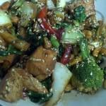 wok pollo pak choi
